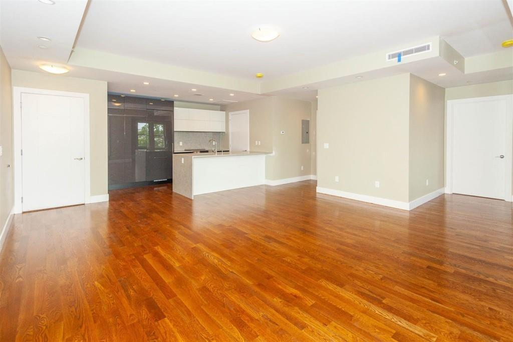 906 East 2nd | South Boston Luxury Rentals