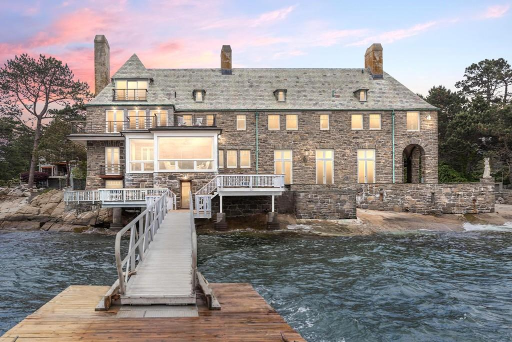 Waterfront Homes with Beach Access