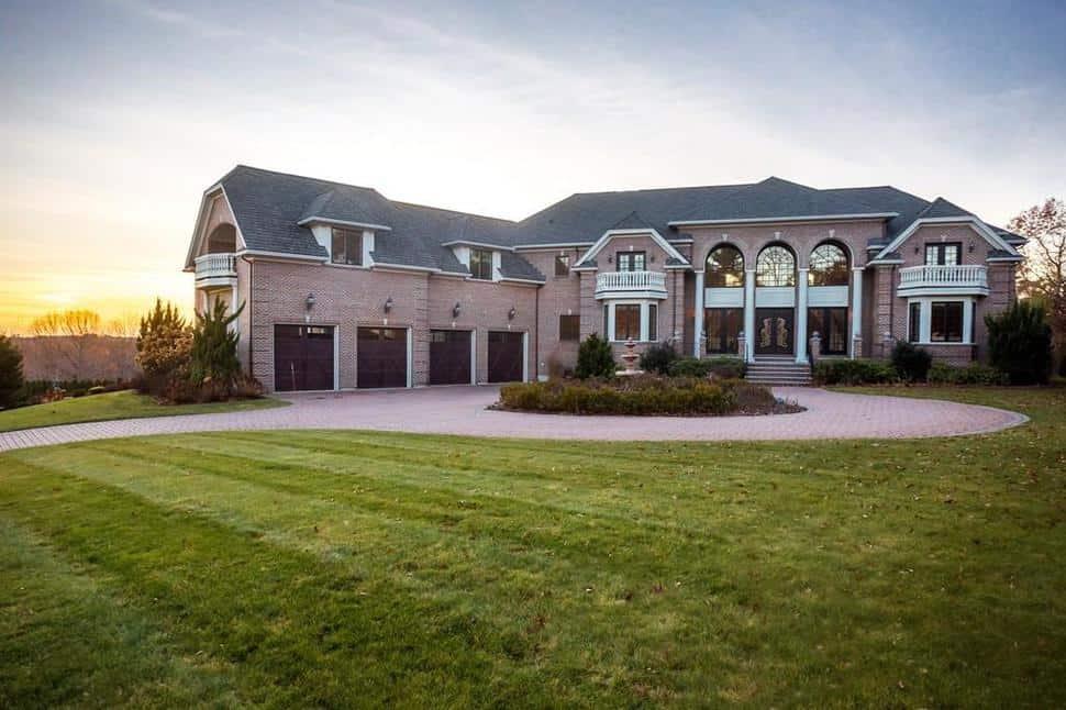 North of Boston Luxury Homes ($900 plus)