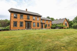 Homes with Land (5+ Acres)