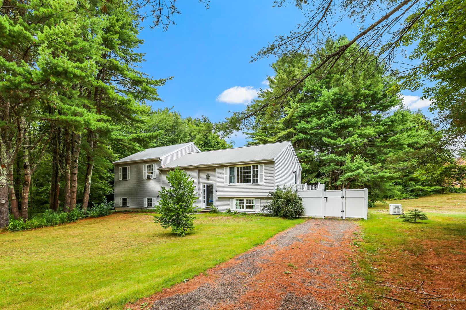 Listings for Jeff Rioux