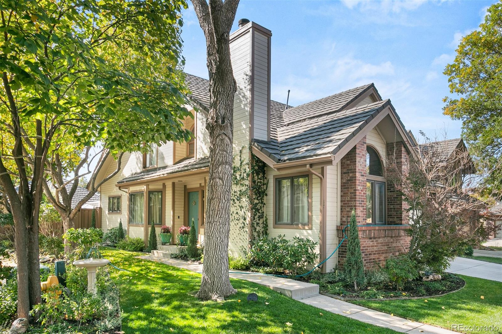 Listings for Pam Fales
