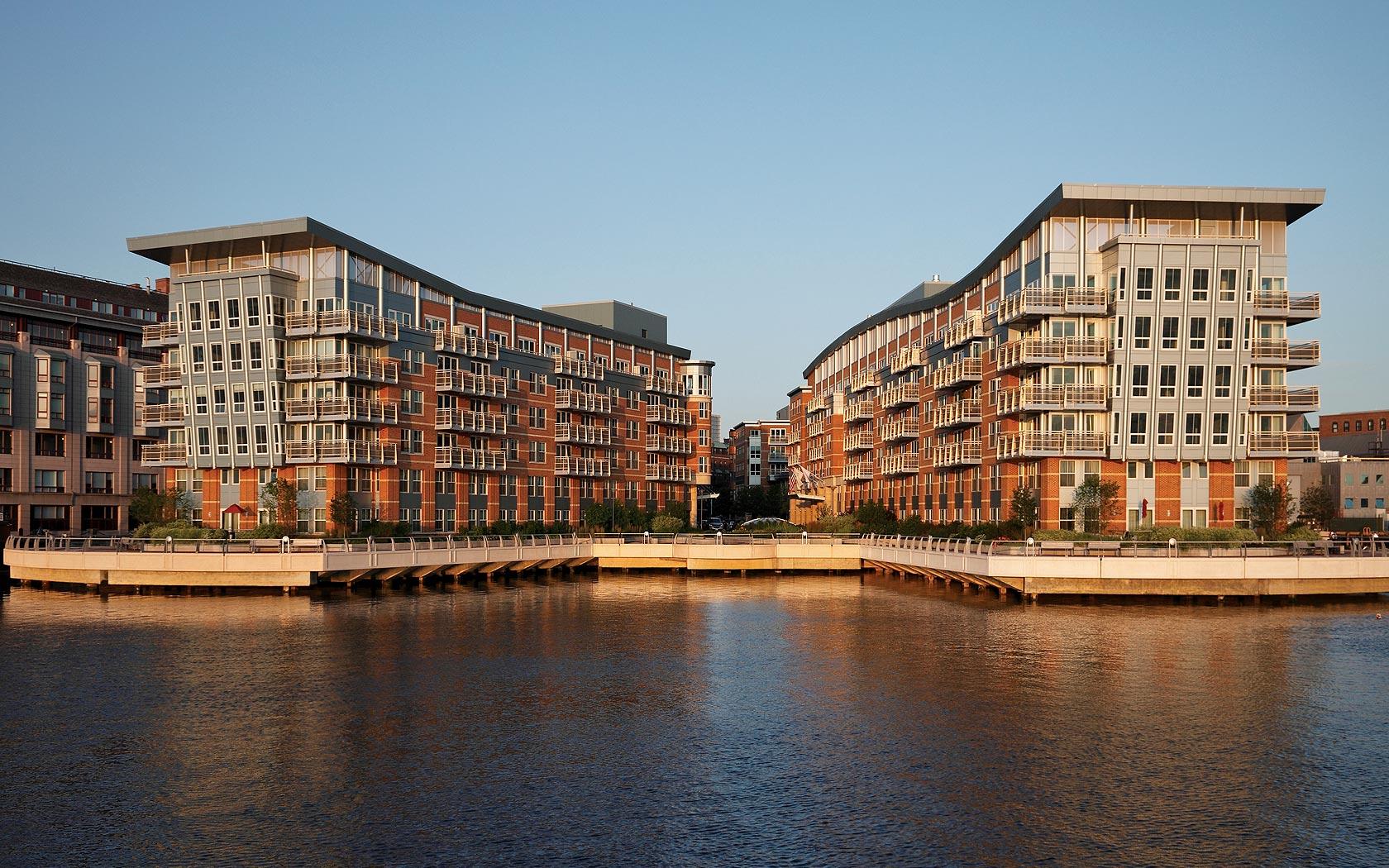 Battery Wharf | Boston Luxury Waterfront Condos