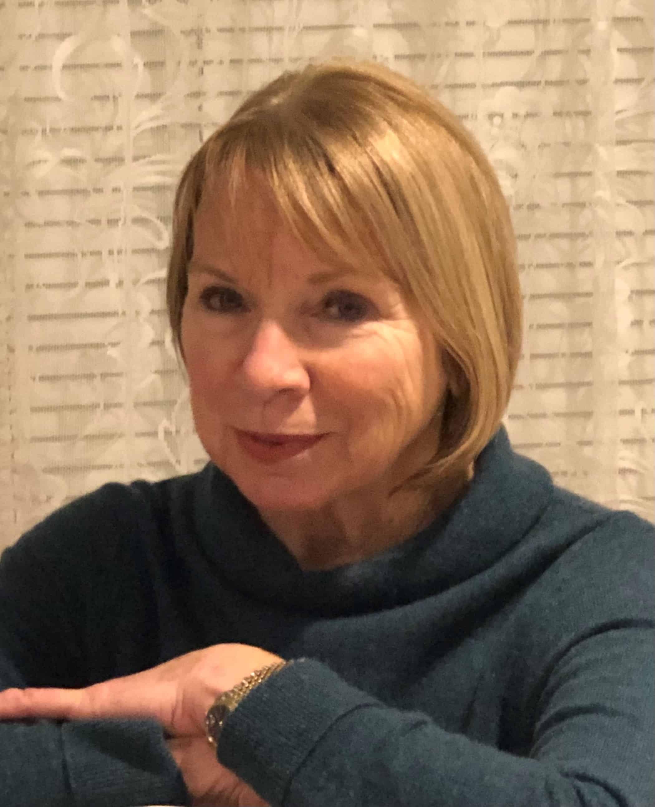 Ann M Macdonald
