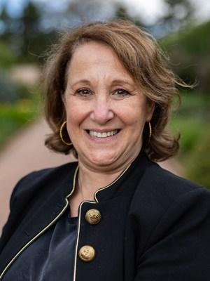 Debbie Leighton