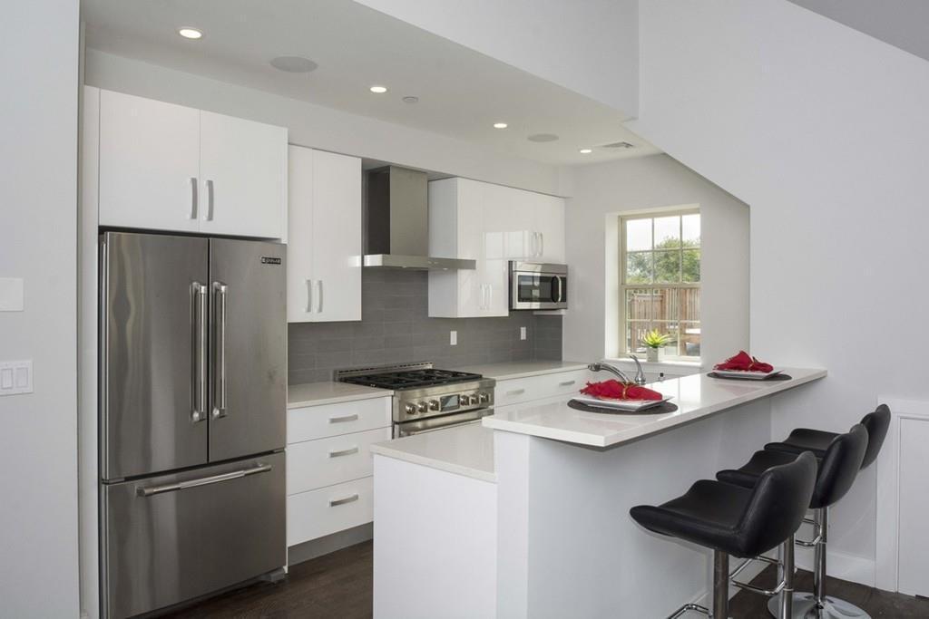 Residences at 225 Dorchester