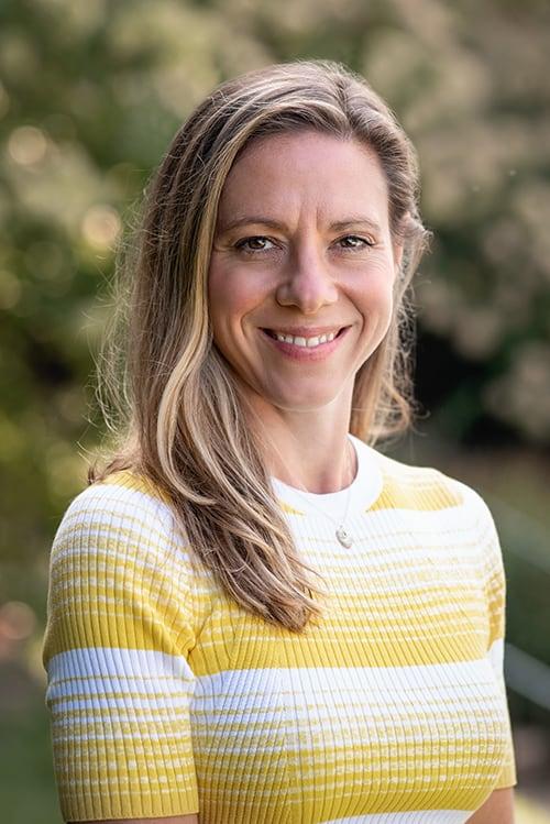 Julia Hansgen