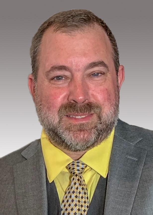 Kenneth MacNeil